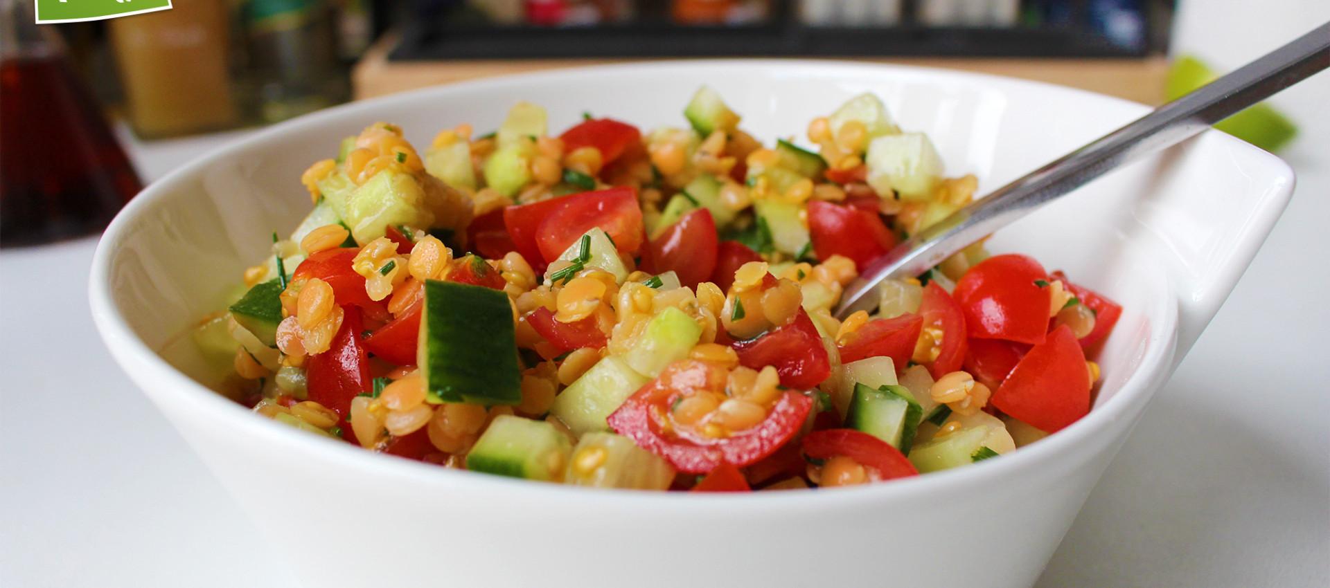 Rezept Gurkensalat mit roten Linsen - Kochbock.de