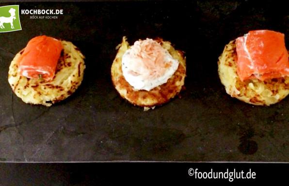 Rezept Kartoffelpuffer mit Lachs Schnittlauch Schmand - Kochbock.de
