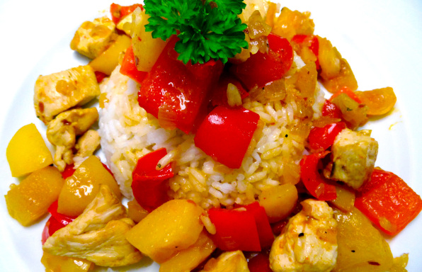 Rezept Gebratenes Hähnchen mit Pfirsich, Paprika & Reis - Kochbock.de