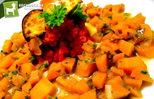 Rezept Süßkartoffel-Püree mit roter Beete an Karotten-Gemüse von Kochbock.de