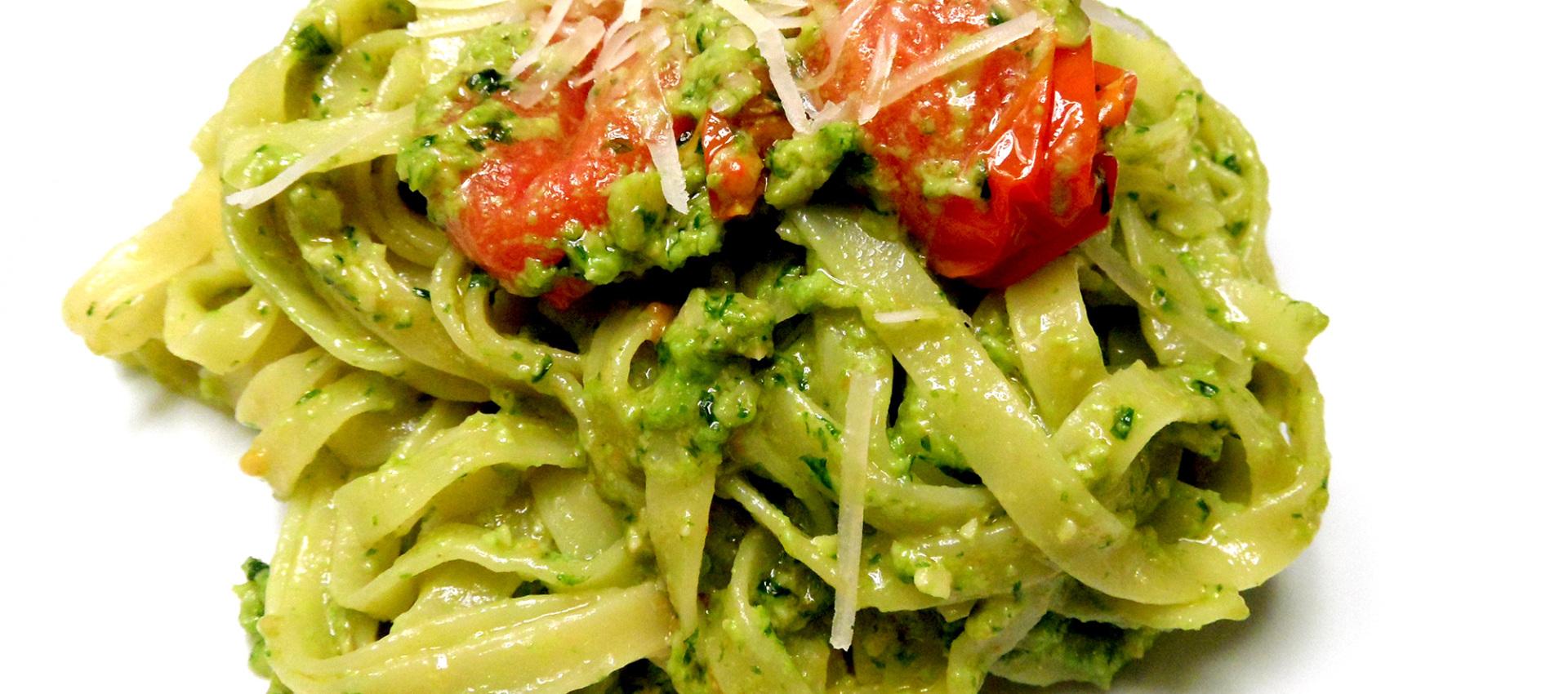 Rezept grünes Pesto mit Rucola & Basilikum - kochbock.de