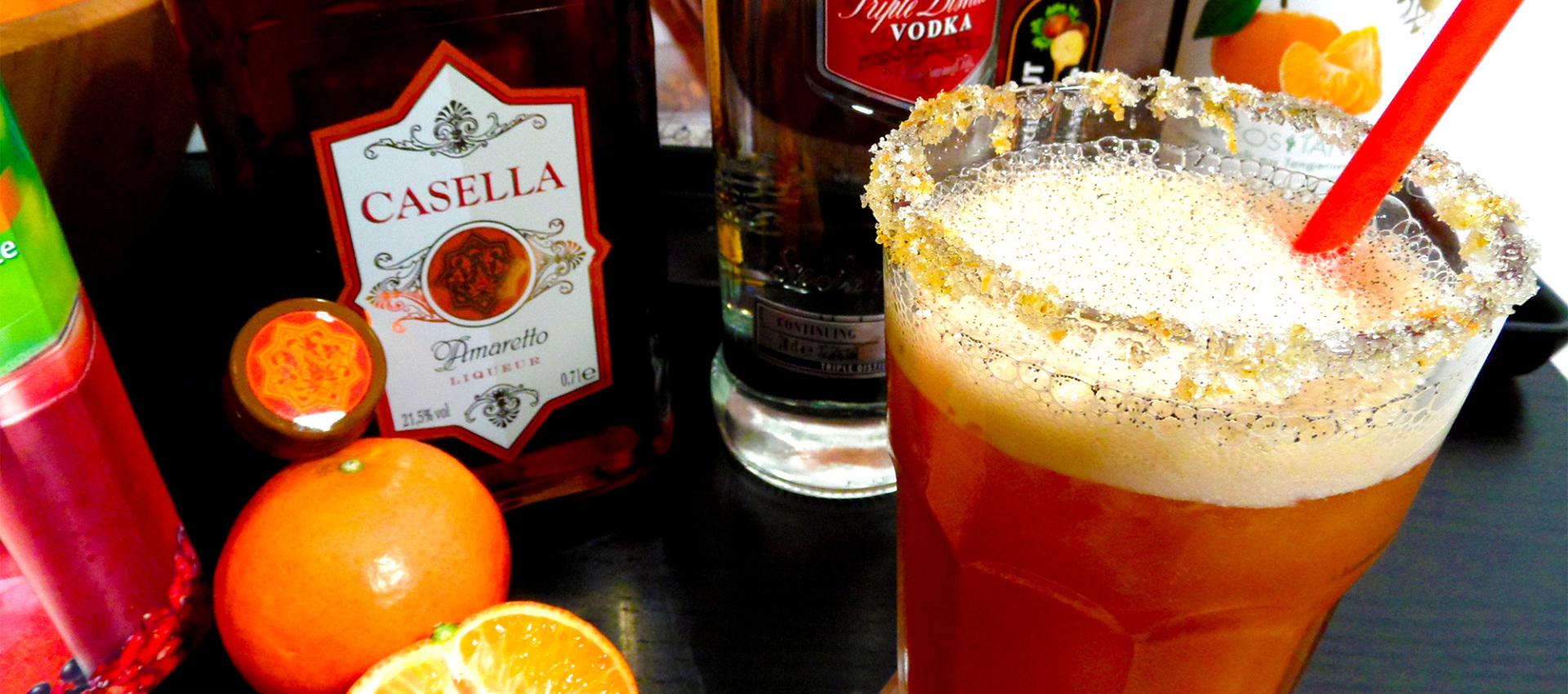 Rezept weihnachtlicher Cocktail mit Vanille, Amaretto & Wodka
