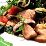 Rezept Spaghetti mit Pilze, Hähnchen & Blattspinat - Kochbock.de