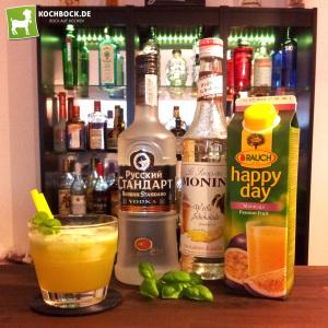 Rezept fruchtiger Cocktail mit Basilikum, Schokoladensirup & Wodka von Kochbock.de