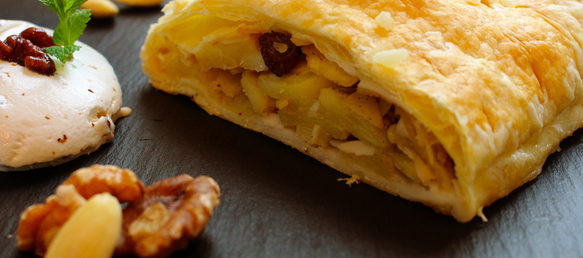 Rezept Blätterteig Apfelstrudel mit Walnüssen & Mandeln von Kochbock.de