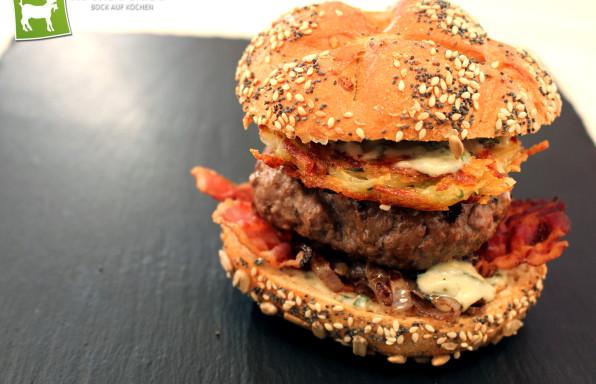 Rezept Schweizer Burger mit Emmentaler Sauce Speck & Zwiebeln von Kochbock.de