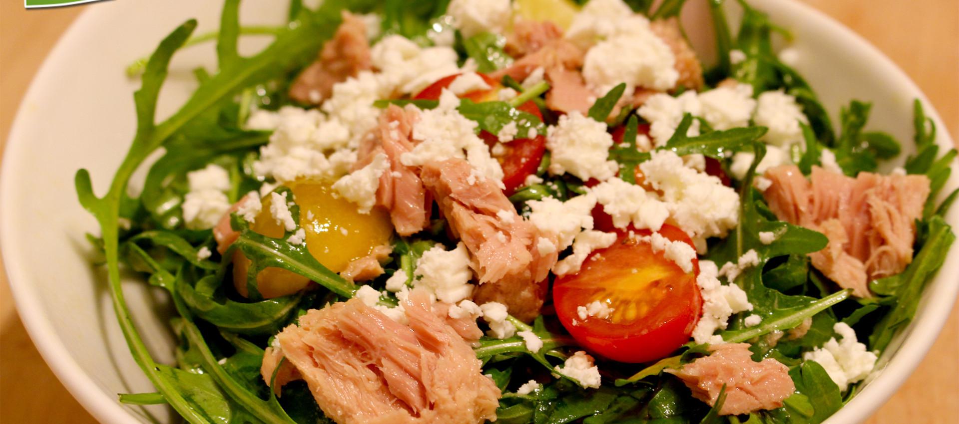 Rezept Rucola Salat mit Thunfisch & Schafskäse - Kochbock.de