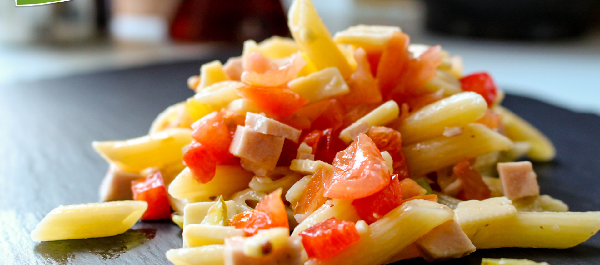 Rezept bayerischer Nudelsalat mit Wurst & Käse - KochBock.de