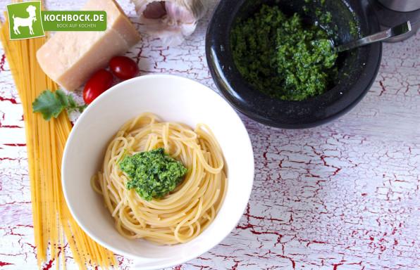 Rezept Pesto aus Radieschen Blättern von Kochbock.de