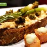 Rezept Lachsbutter auf Crostini mit Frühlingszwiebeln von KochBock.de