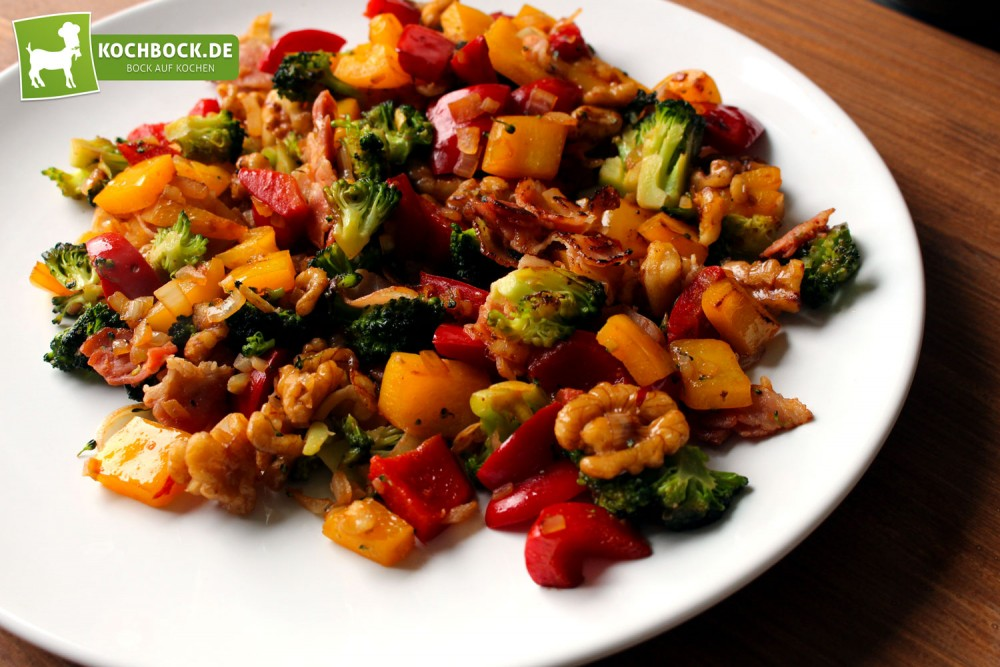 herzhafter salat mit bacon broccoli. Black Bedroom Furniture Sets. Home Design Ideas