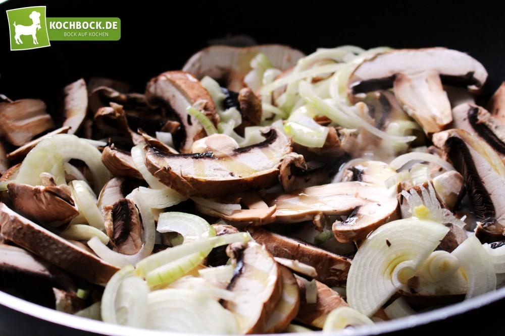 Pilze für vegane Tomatensauce mit Spargel & Pilzen von KochBock.de Zutaten