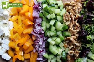 Rezept für Schafskäse Salat Heidelbeeren-Dressing von KochBock.de