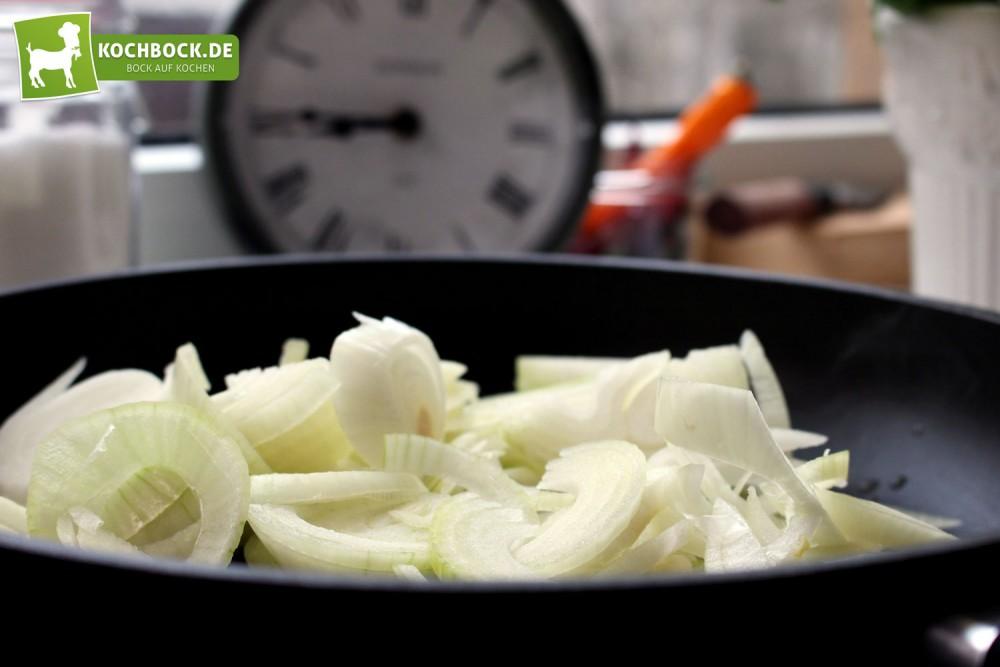 Zwiebeln für Zwiebelrostbraten von KochBock.de