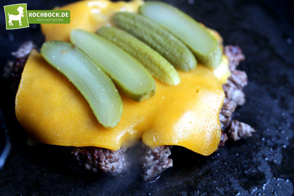 Rezept für einen Rinderfilet Burger von KochBock.de - Anbraten