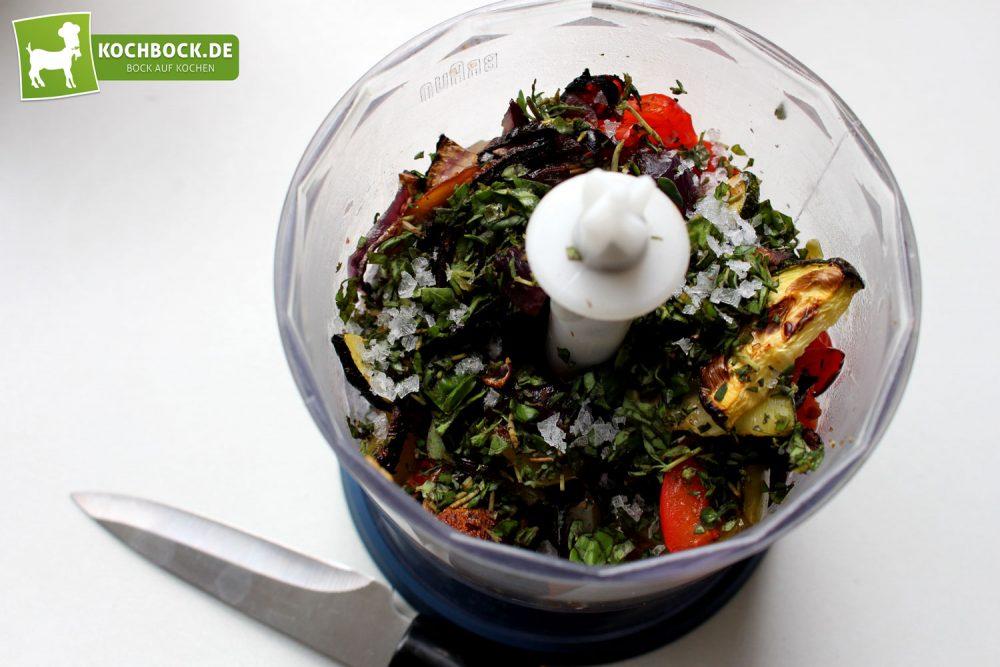 Rezept für Gegrilltes Antipasti auf Crostini von KochBock.de - Mixer