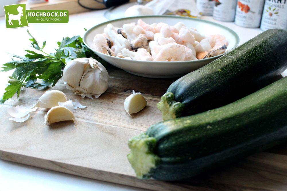 Zucchini Spaghetti mit Meeresfrüchten - Zutaten-Übersicht