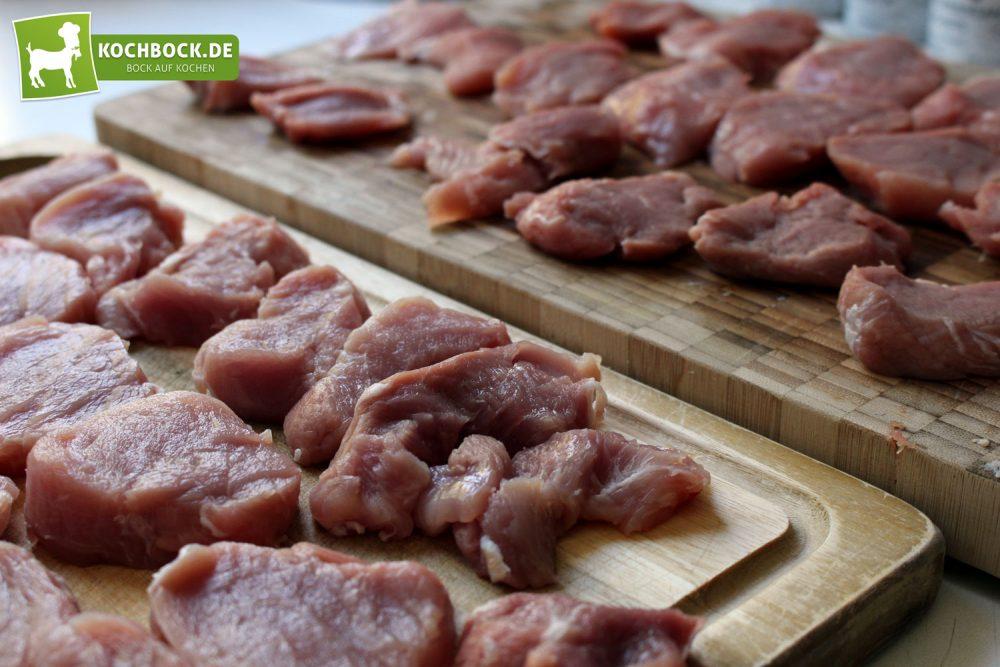 Rezept für Schweinefilet in Paprikasoße von KochBock.de - Schweinefilet